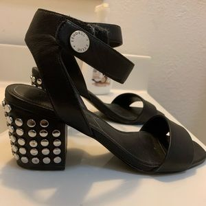 Kendall and Kylie block heels size 5.5